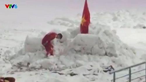 Hành động khiến triệu trái tim Việt Nam thổn thức của Duy Mạnh - Ảnh 3