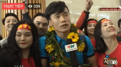 Lễ chào mừng U23 Việt Nam: Các cầu thủ lên xe bus diễu hành - Ảnh 15