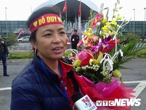 Lễ chào mừng U23 Việt Nam: Các cầu thủ lên xe bus diễu hành - Ảnh 24