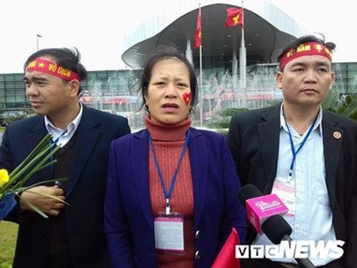Lễ chào mừng U23 Việt Nam: Các cầu thủ lên xe bus diễu hành - Ảnh 25