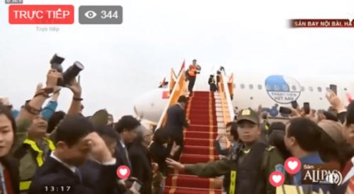 Lễ chào mừng U23 Việt Nam: Các cầu thủ lên xe bus diễu hành - Ảnh 16