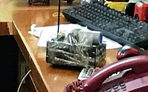 Nghi phạm cướp ngân hàng ở Bắc Giang mang theo bom giả - Ảnh 2