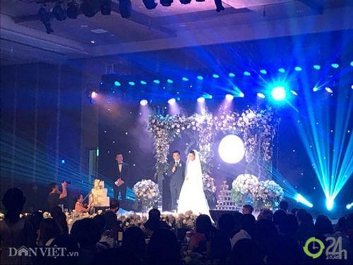 Điểm lại loạt đám cưới đình đám nhất của showbiz Việt năm 2017 - Ảnh 11
