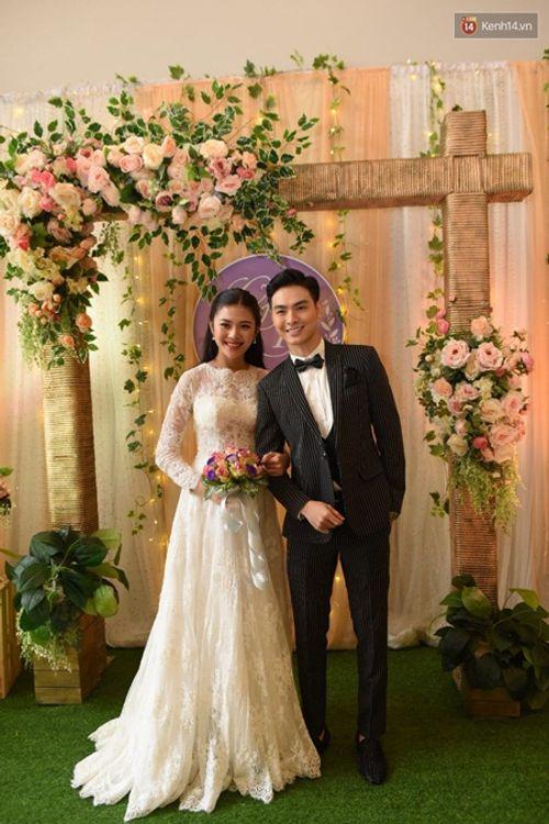 Điểm lại loạt đám cưới đình đám nhất của showbiz Việt năm 2017 - Ảnh 14
