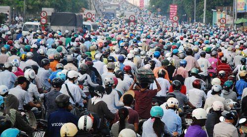 Dân số Việt Nam gần 94 triệu người, xếp thứ 13 thế giới - Ảnh 1