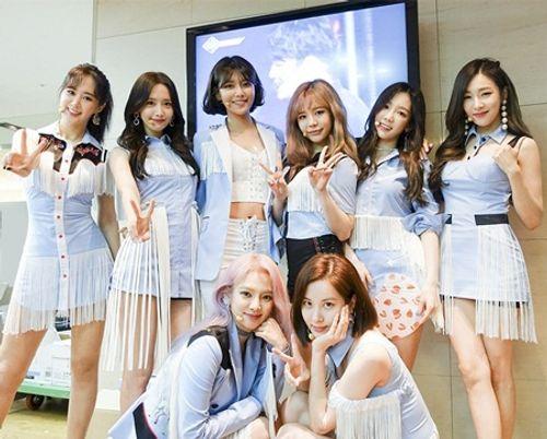 Những mất mát đau thương và scandal chấn động showbiz Hàn 2017 - Ảnh 6