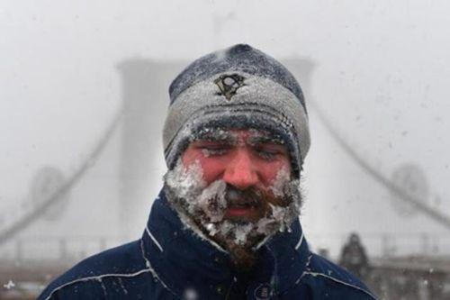 Loạt ảnh bão tuyết, giá lạnh kỷ lục ở nước Mỹ - Ảnh 3
