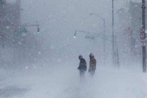 Loạt ảnh bão tuyết, giá lạnh kỷ lục ở nước Mỹ - Ảnh 4