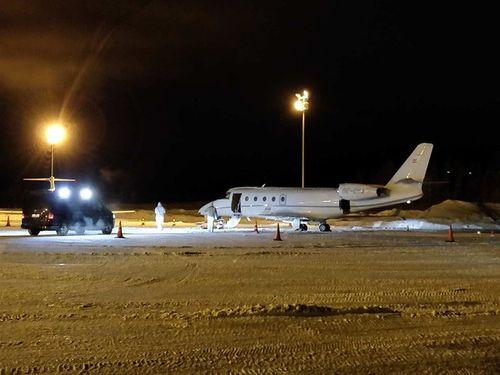 Phần Lan: Hy hữu phi công tử vong vì bị cửa máy bay rơi trúng - Ảnh 1