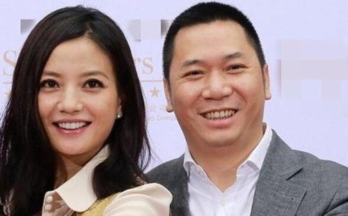 Rộ tin đồn Triệu Vy ly hôn đại gia Huỳnh Hữu Long sau gần 10 năm chung sống - Ảnh 1
