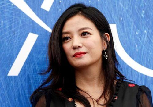 Rộ tin đồn Triệu Vy ly hôn đại gia Huỳnh Hữu Long sau gần 10 năm chung sống - Ảnh 2