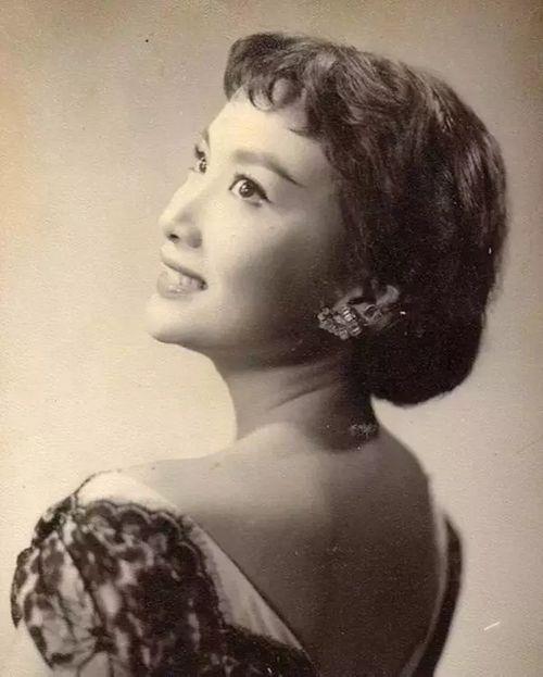 """Hạ Mộng - """"nàng thơ"""" khiến Kim Dung tạo nên Tiểu Long Nữ, Vương Ngữ Yên - Ảnh 4"""
