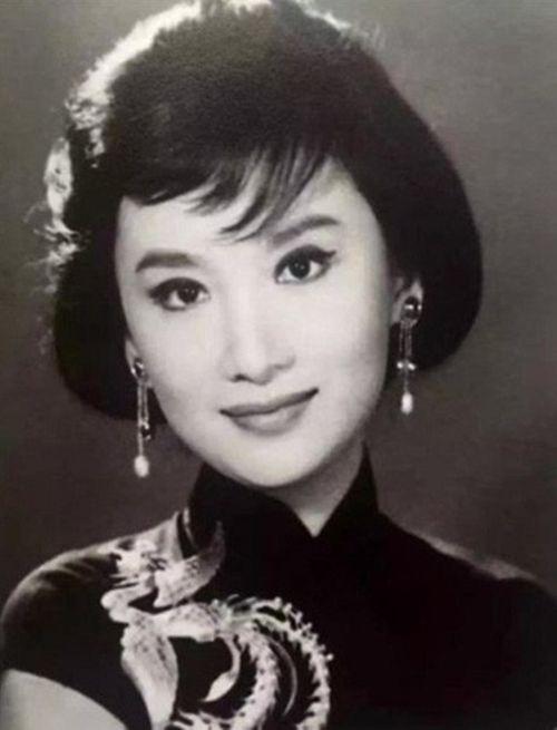 """Hạ Mộng - """"nàng thơ"""" khiến Kim Dung tạo nên Tiểu Long Nữ, Vương Ngữ Yên - Ảnh 2"""