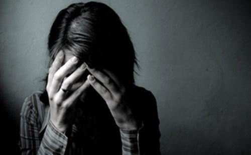 Án nước ngoài-Luật ta: Lãnh án vì bán trinh tiết con gái 13 tuổi cho đại gia - Ảnh 1