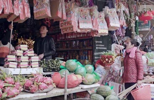 Dàn cầu thủ U23 đón Tết: Làm từ thiện, ra chợ bán thịt lợn giúp mẹ - Ảnh 2