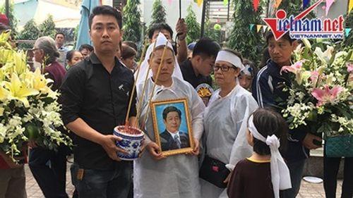 Người thân, đồng nghiệp nghẹn ngào tiễn đưa nghệ sĩ Nguyễn Hậu - Ảnh 8