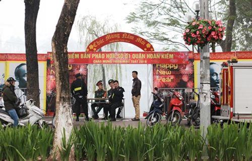 """""""Trận địa pháo hoa"""" Hà Nội và TP.HCM được bảo vệ nghiêm ngặt, sẵn sàng cho đêm giao thừa - Ảnh 3"""