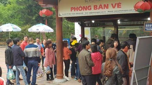 Khai hội Yên Tử 2018: Hàng nghìn người đi lễ, đường xá kẹt cứng - Ảnh 7