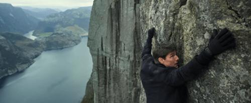 """18 năm kể từ phần phim đầu tiên, Tom Cruise vẫn """"bất khả chiến bại"""" - Ảnh 4"""