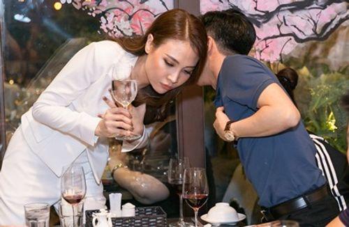 Giữa tin đồn rạn nứt, Cường Đô la xuất hiện ủng hộ Đàm Thu Trang - Ảnh 2