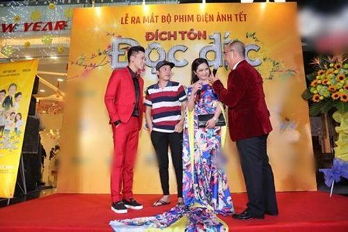 Hoài Linh xin lỗi khán giả vì mặc áo thun, đi dép tông đến buổi công chiếu phim - Ảnh 3