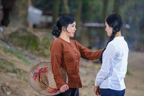 """""""Em bé Hà Nội"""" Lan Hương lần đầu đóng MV ca nhạc vì Lương Nguyệt Anh - Ảnh 4"""