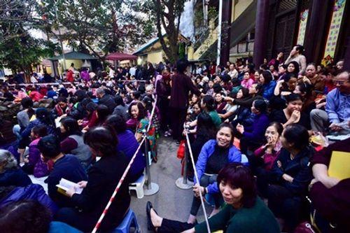 Hình ảnh hàng ngàn người dự lễ cầu an chùa Phúc Khánh - Ảnh 2