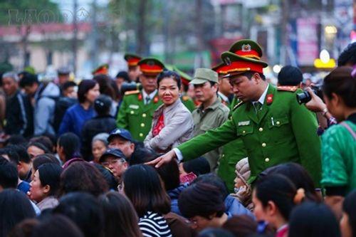 Hình ảnh hàng ngàn người dự lễ cầu an chùa Phúc Khánh - Ảnh 4