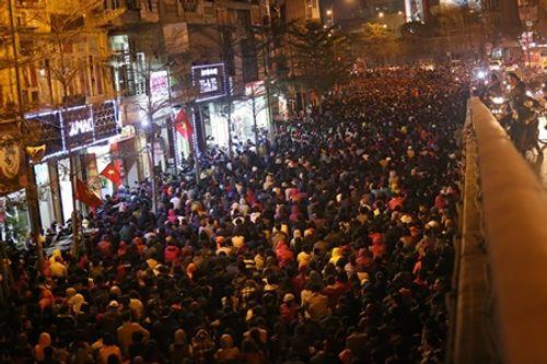 Hình ảnh hàng ngàn người dự lễ cầu an chùa Phúc Khánh - Ảnh 5