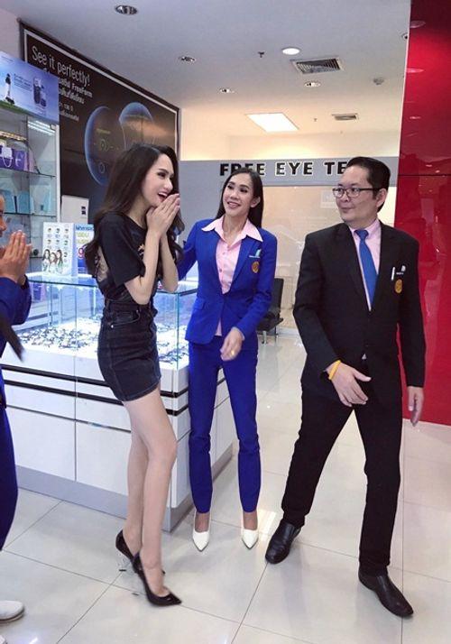 Tân Hoa hậu Chuyển giới Hương Giang trải lòng nỗi nhớ nhà dù được fan Thái chào đón - Ảnh 5