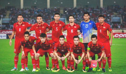 """BXH FIFA: Việt Nam tụt một bậc vẫn """"trên đỉnh"""" Đông Nam Á - Ảnh 1"""