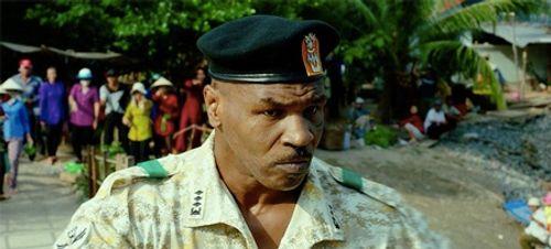 """Clip: Elly Trần """"tái mặt"""" khi bị Mike Tyson hù dọa - Ảnh 2"""