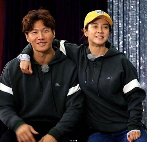 Song Ji Hyo chia sẻ về chuyện hẹn hò với Kim Joong Kook - Ảnh 3