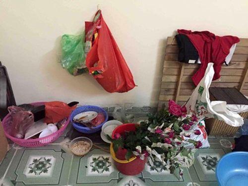 Dân mạng tranh cãi vụ cô gái ngủ với nồi cơm điện, bát đũa trên giường ký túc xá - Ảnh 6