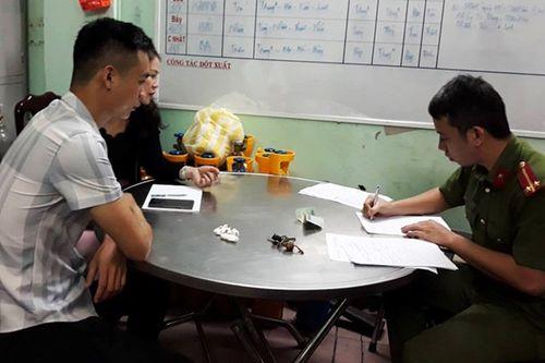 Khởi tố đối tượng hành hung, giam lỏng phóng viên tại Đà Nẵng - Ảnh 1