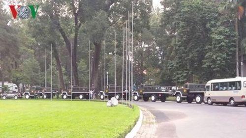 Dòng người xếp hàng dự Lễ truy điệu nguyên Thủ tướng Phan Văn Khải - Ảnh 8