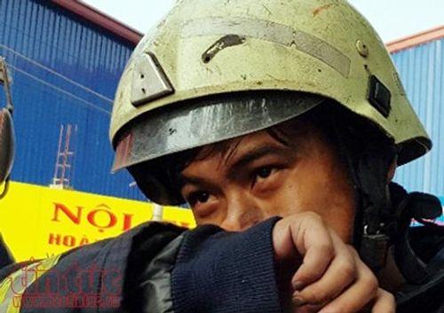 Những chiến sĩ PCCC quả cảm cứu người trong vụ cháy chung cư Carina Plaza - Ảnh 3