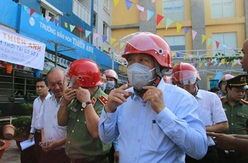 Vụ cháy chung cư Carina: Cư dân đối thoại trực tiếp với Phó Thủ tướng Trương Hòa Bình - Ảnh 1