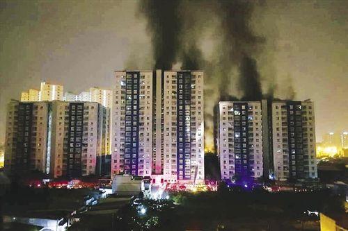 Loạt sai phạm của chủ đầu tư chung cư Carina Plaza trước vụ cháy - Ảnh 1