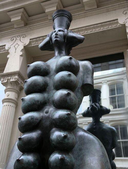 Ngắm nhìn những bức tượng khỏa thân nổi tiếng trên thế giới - Ảnh 8
