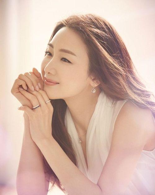 Choi Ji Woo bất ngờ kết hôn, chỉ thông báo trước lễ cưới vài giờ - Ảnh 6