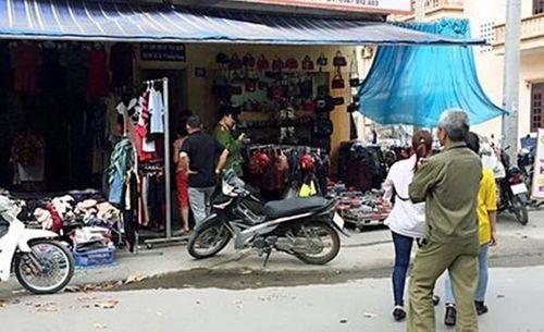 Bắt nam thanh niên dùng búa đánh tử vong bạn gái ngay giữa chợ - Ảnh 1