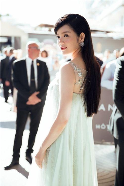 Điểm lại những lần xuất hiện ấn tượng nhất của Lý Nhã Kỳ tại LHP Cannes - Ảnh 6