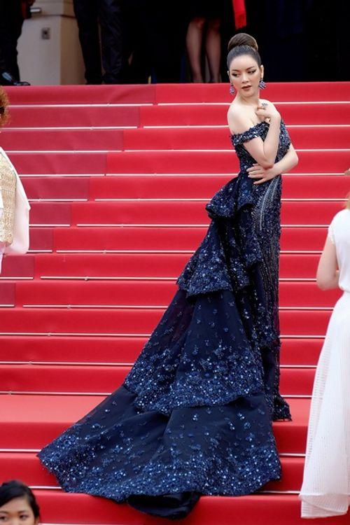 Điểm lại những khoảnh khắc thời trang ấn tượng của Lý Nhã Kỳ tại Cannes 2018 - Ảnh 11