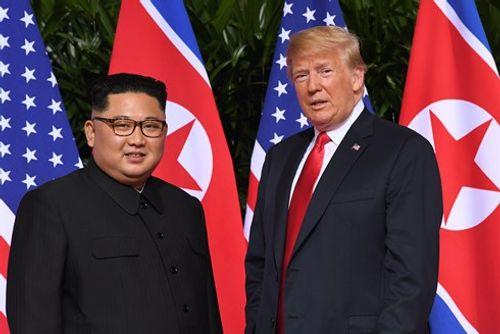 Chuẩn bị cho cuộc gặp ông Kim Jong-un, Tổng thống Trump suốt 25 giờ không chợp mắt - Ảnh 1