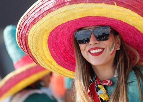 """Fan nữ Mexico """"hâm nóng"""" chiến thắng tại World Cup 2018 bằng những đường cong hút mắt - Ảnh 7"""