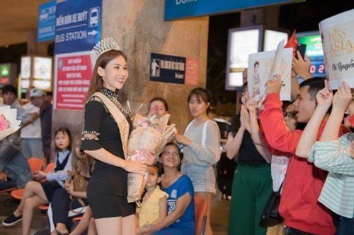 Hoa hậu Chi Nguyễn về nước sau khi đăng quang Miss Asia World 2018 - Ảnh 2