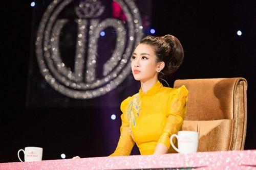 Đỗ Mỹ Linh làm host chương trình Người đẹp Nhân ái của Hoa hậu Việt Nam 2018 - Ảnh 3