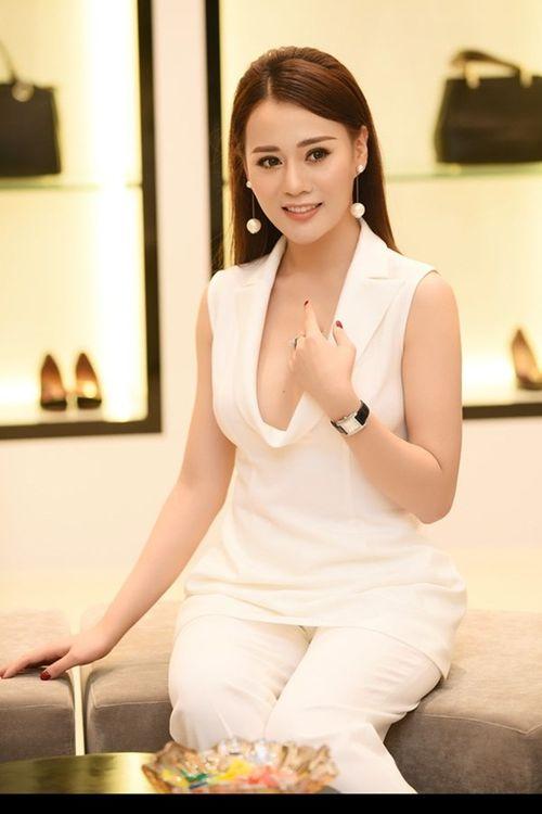 """Phương Oanh """"Quỳnh búp bê"""" đọ sắc cùng Nhã Phương và dàn Hoa hậu - Ảnh 2"""