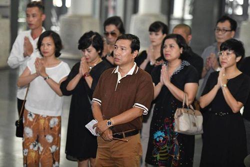 """Dàn nghệ sĩ Việt khóc nghẹn đưa tiễn """"ông trùm hài Tết"""" Phạm Đông Hồng - Ảnh 8"""